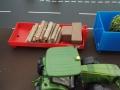 Siku Control 3661 - Anbaugeräte an Siku Control 32 John Deere 7R - Container mit Holz