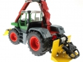 Siku 3857 - Fendt Xylon Forstmaschine hinten links