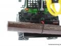 Siku 4063 - John Deere Forsttraktor hinten nah