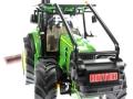 Siku 4063 - John Deere Forsttraktor vorne links nah