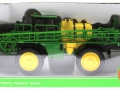 Siku 4065 - John Deere Feldspritze R4040 Karton vorne