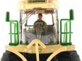 Siku 4066 - Krone BiG X 580 Maishäcksler Fahrer