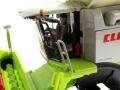 Siku 4258 - Claas Lexion 770 mit Raupenfahrwerk Fahrer