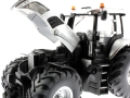 Siku 4488 - New Holland T8.420 - Silver Edition Motor links