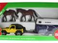 Siku 4670 - Jeep mit Pferdeanhänger Karton vorne