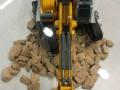 Siku 6740 - Liebherr R980 SME Raupenbagger Control 32 von vorne