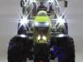 Siku 6882 - Claas Axion 850 beleuchtet vorne