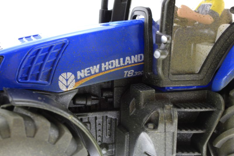 Siku 8511 - New Holland T8.390 Autodrom Logo