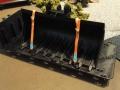 Treckerheld breite Schaufel für Siku Control 32 Bagger gesichert mit Spanngurten