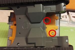 Fahrer Figur Einbau für den Siku Liebherr Bagger 6740 Schrauben