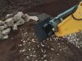 Siku Control 32 Liebherr Bagger mit Sieb-Löffel nah