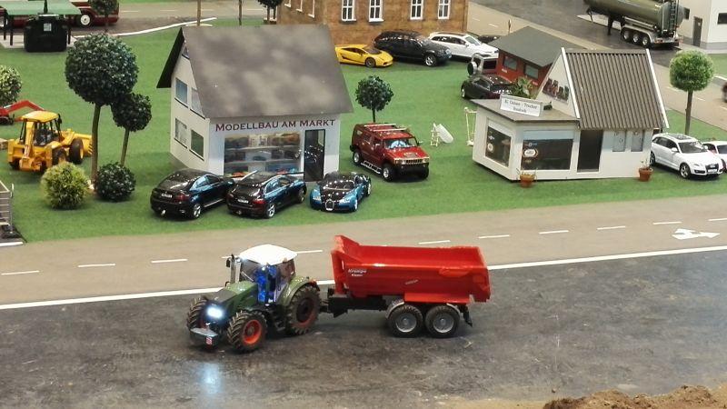 Spielidee Rostock 2016 - Traktor mit Krampe Anhänger