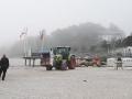 Claas Ares 557 mit Frontlader bei der Strandkorbernte