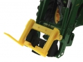Siku Control 32 John Deere 7R Adapter mit Frontgabel nah