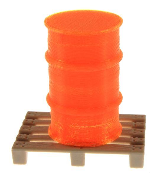 Treckerheld Fass auf Palette Orange