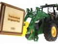 Treckerheld Holz-Kiste John Deere 7R mit Paletten Langgabel vorne