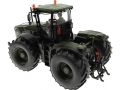 Siku Claas Xerion 5000 Traktor  Nato-Oliv-Grün hinten links