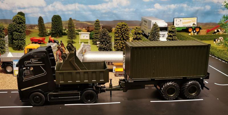 Siku Volvo LKW mit Anhänger 20 Fuss Container Oliv Grün