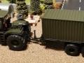 Siku Claas Xerion Militär Oiv Grün mit Container