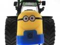 Frontgewicht Minion an Deutz-Fahr Traktor unten vorne