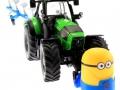 Frontgewicht Minion an Deutz-Fahr Traktor vorne rechts
