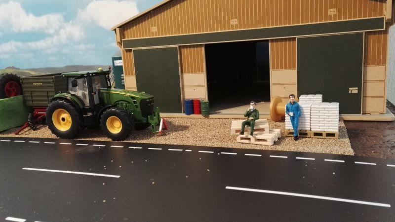 Mulden Container und Zubehör für Siku Hakenlift 6786 - Zwei Arbeiter machen Pause