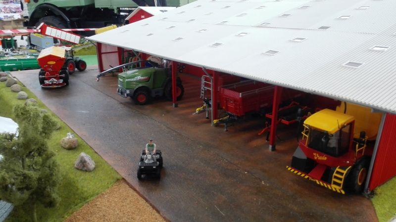 Traktorado 2014 in Husum - Blick unter das Scheunendach