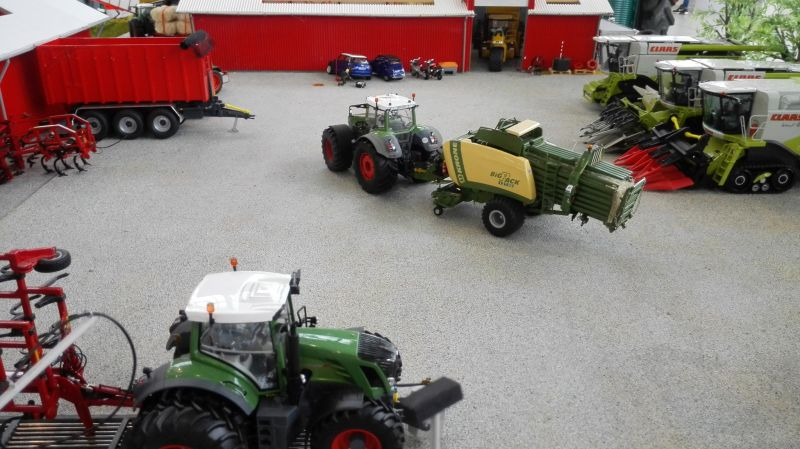 Traktorado 2014 in Husum - Fendt Trecker mit Krone Ballenpresse