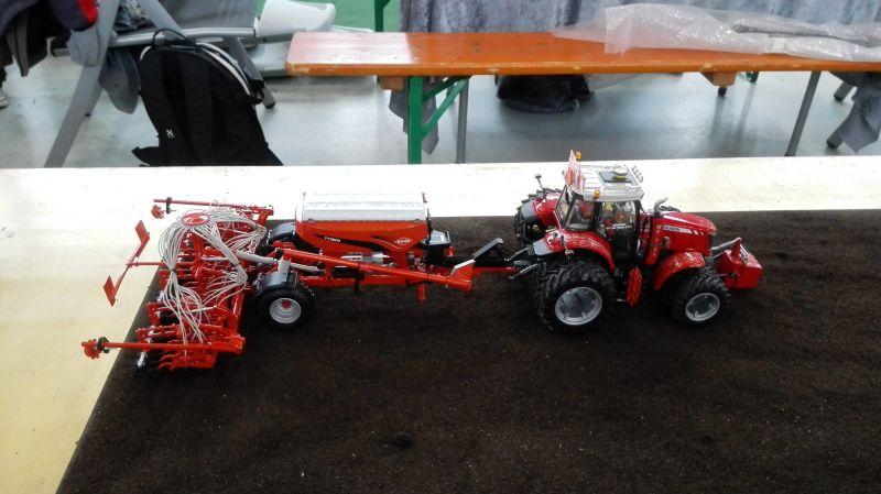 Traktorado 2014 in Husum - Ferguson mit Saartmaschine