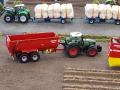 Traktorado 2015 - Fendt 828 Vario mit Krampe Kipper von links