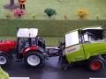 Traktorado 2015 - Massey Ferguson mit Claas Rollant