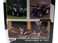 Universal Hobbies 2931 - Valtra N 142 Cow Edition mit Kuhflecken Karton links
