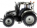 Universal Hobbies 2931 - Valtra N 142 Cow Edition mit Kuhflecken links