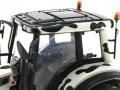 Universal Hobbies 2931 - Valtra N 142 Cow Edition mit Kuhflecken Sitz