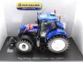 Universal Hobbies 4045 - New Holland T7210 Union Jack Edition GB Flagge Diorama