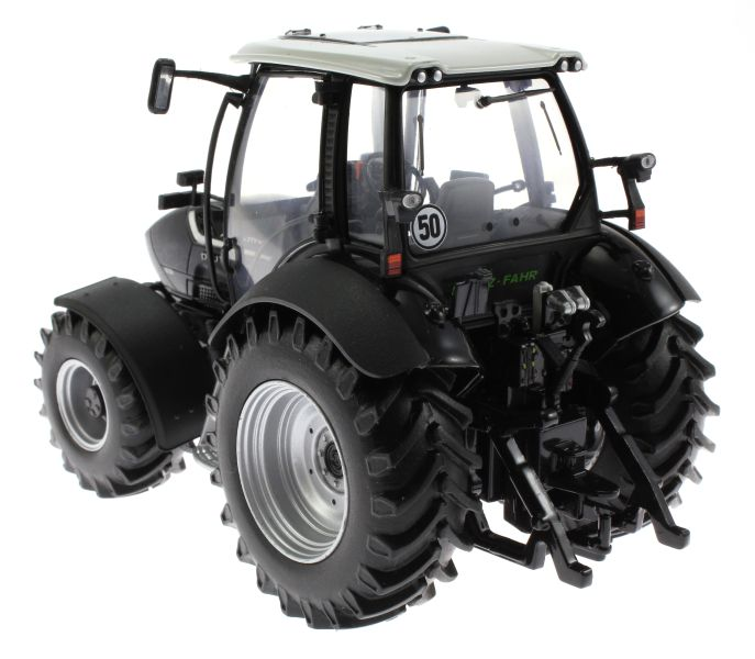Universal Hobbies 4256 - Deutz-Fahr Agrotron TTV 430 Black Edition hinten links