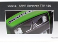 Universal Hobbies 4256 - Deutz-Fahr Agrotron TTV 430 Black Edition Karton hinten