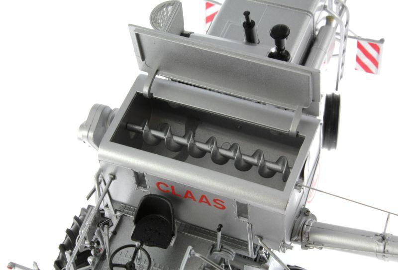Universal Hobbies 2615 - Claas Matador Gigant Mähdrescher Kornschnecke