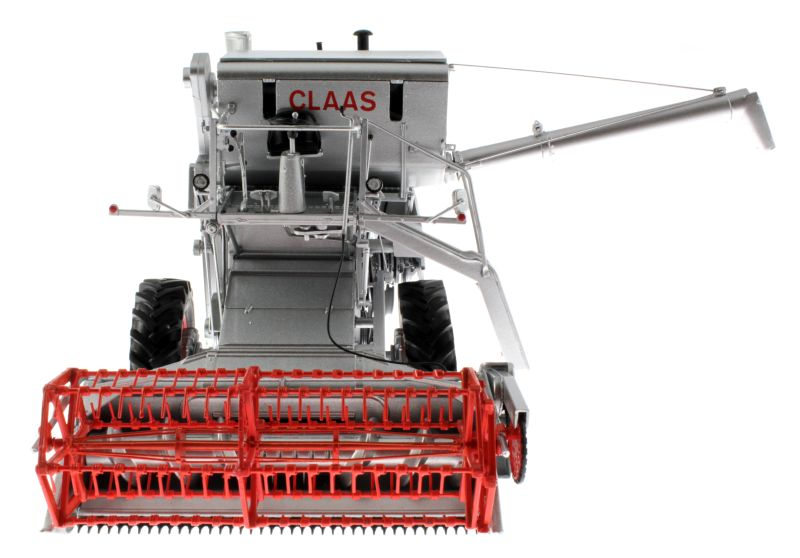 Universal Hobbies 2615 - Claas Matador Gigant Mähdrescher vorne
