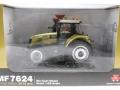 Universal Hobbies 4063 - Massey Ferguson MF 7624 Dyna Gold Karton vorne