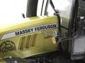 Universal Hobbies 4063 - Massey Ferguson MF 7624 Dyna Gold Logo