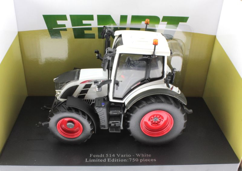 Universal Hobbies 4937 - Fendt 514 Vario White Edition Diorama