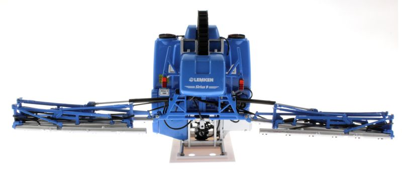 Universal Hobbies 5014 - Lemken Mounted Field Sprayer Sirius 9 vorne