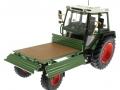 weise-toys 1008 - Fendt Geräteträger 360 GT vorne links Ladefläche offen