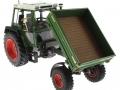 weise-toys 1008 - Fendt Geräteträger 360 GT gekippt