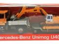 Welly 32380F-2GA - Mercedes Benz Unimog U400 Orange mit Tieflader Karton vorne