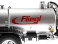 Wiking 077338 - Fliegl Vakuumfasswagen mit Güllegrubber Logo