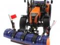 Wiking 71305 und 077389 - Claas Arion 640 Kommunal mit Traktorstreuer Schmidt Traxos FS 12 oben vorne