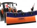Wiking 71305 und 077389 - Claas Arion 640 Kommunal mit Traktorstreuer Schmidt Traxos FS 12 unten vorne