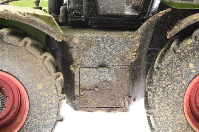 Wiking 7308 – Claas Xerion 5000 Trac VC verschmutzt Fach